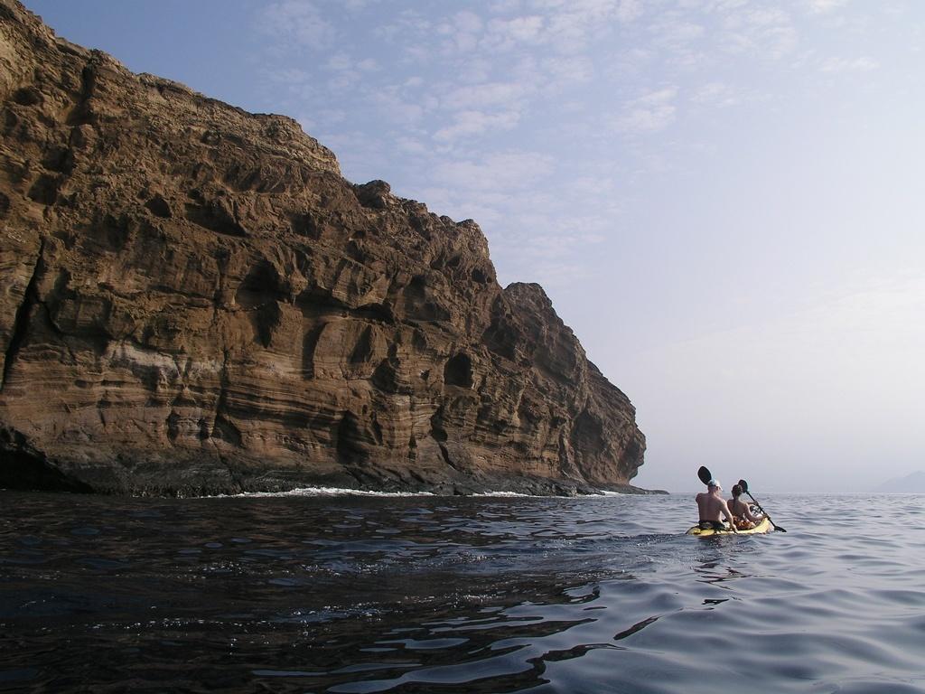 Molokini kayak backwall